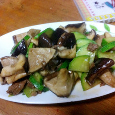 香菇黄瓜炒肉