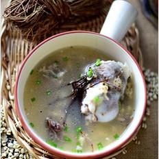 鸡骨草薏米大骨汤