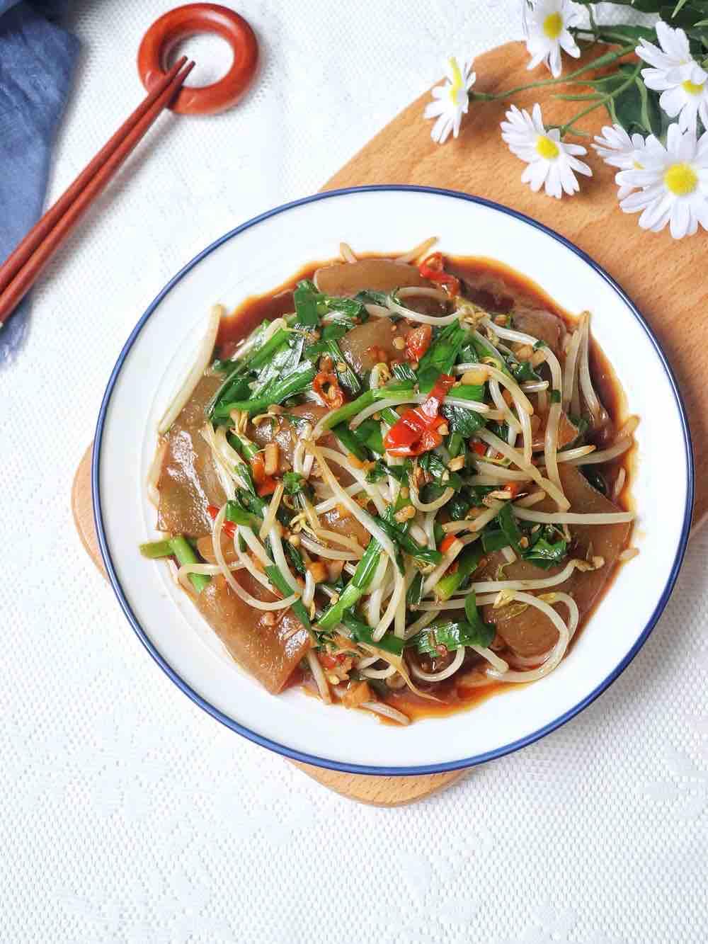 韭菜豆芽炒魔芋豆腐