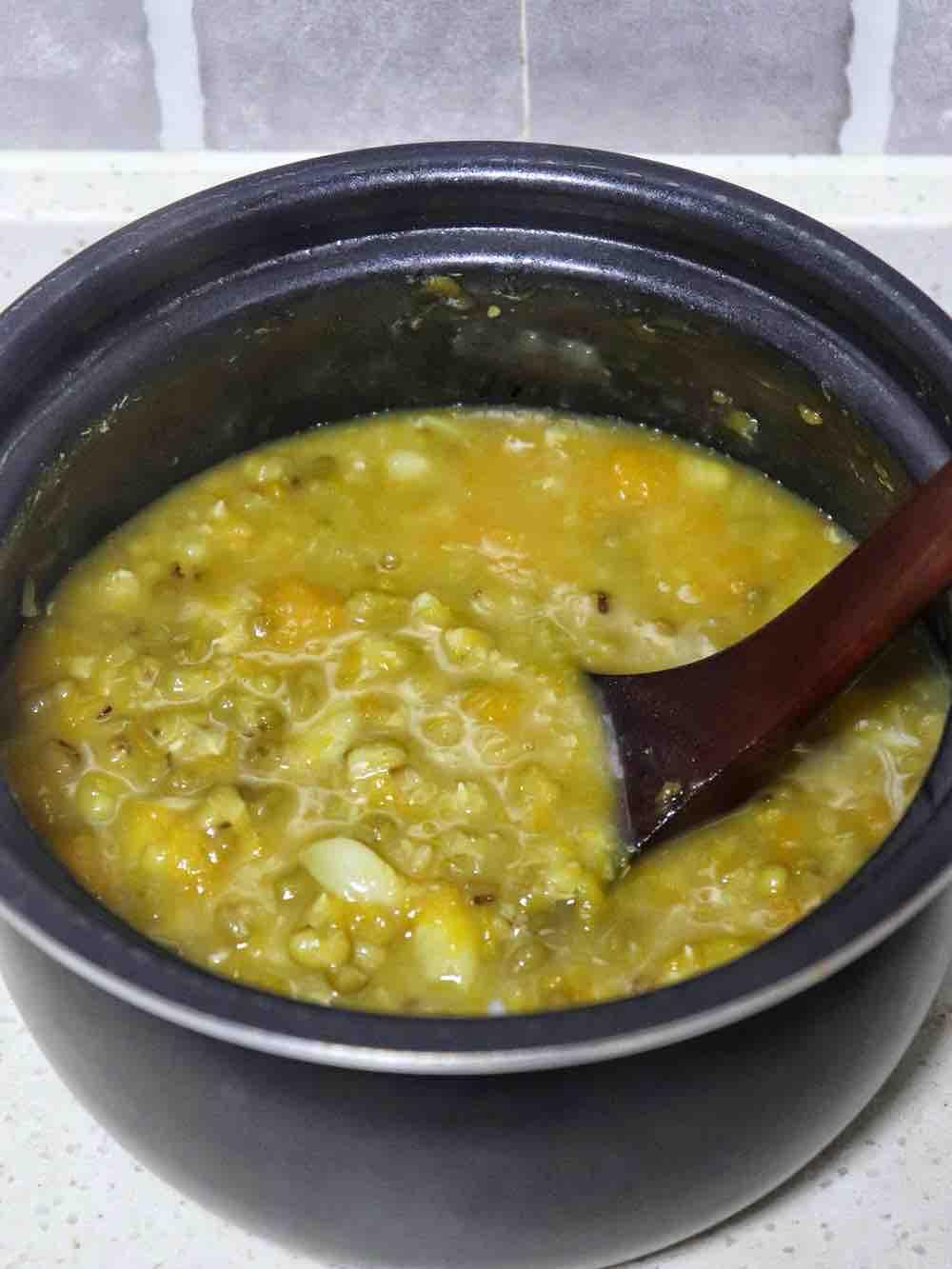 绿豆南瓜百合粥