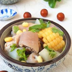 猪尾玉米萝卜汤