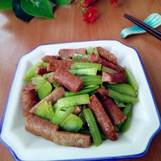 小白菜茎炒牛肉肠