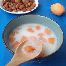 椰汁枇杷西米露