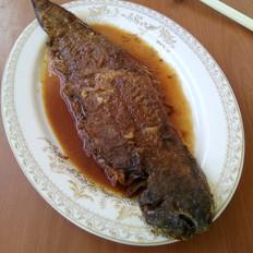 麻辣酱烧比目鱼的做法