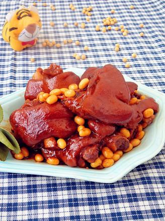 黄豆烧猪蹄的做法