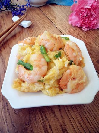 年夜饭硬菜之虾仁炒鸡蛋的做法