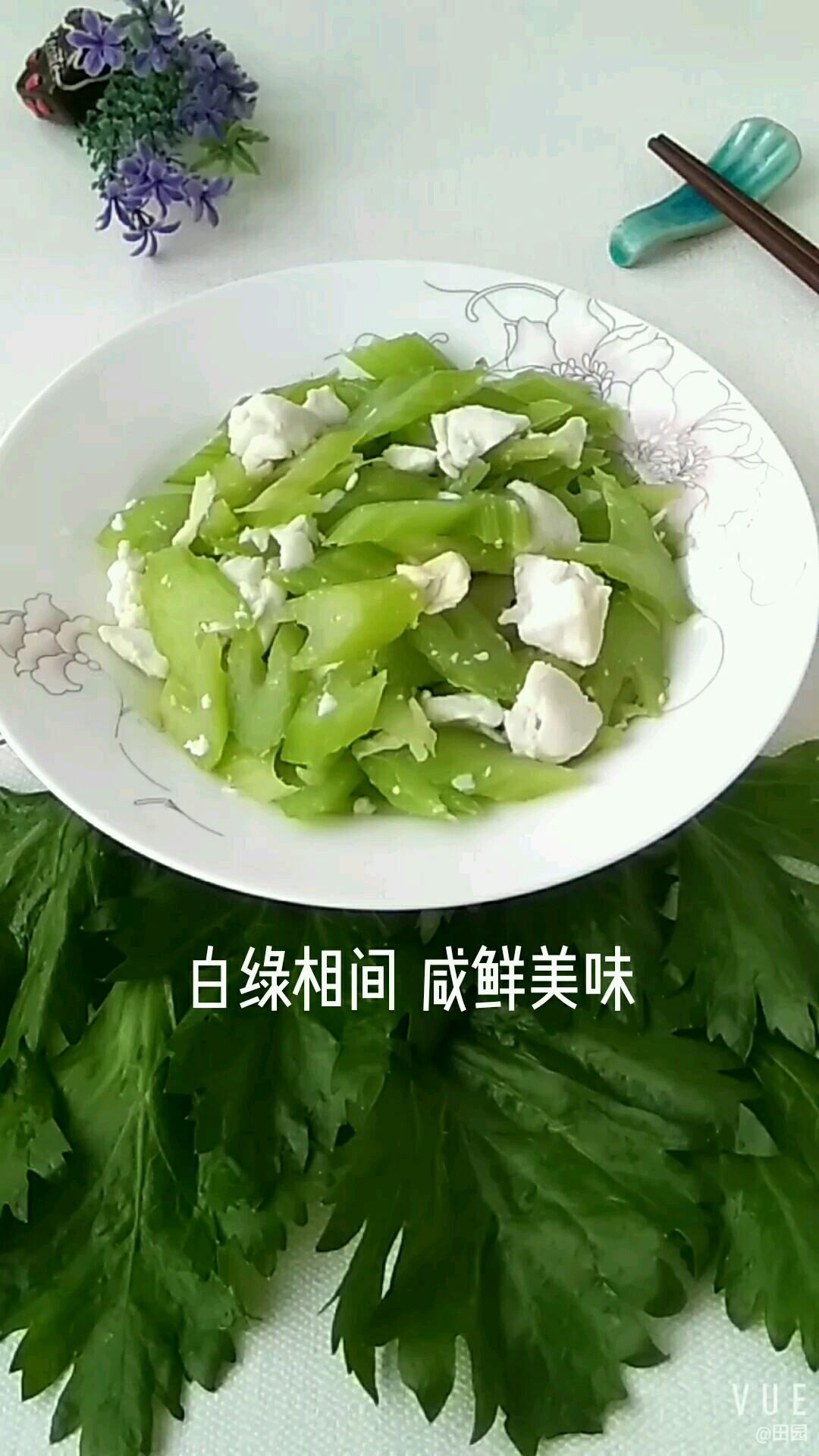白绿相间 咸鲜美味的做法