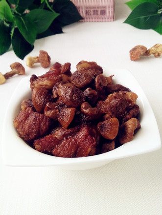 红烧排骨松茸蘑