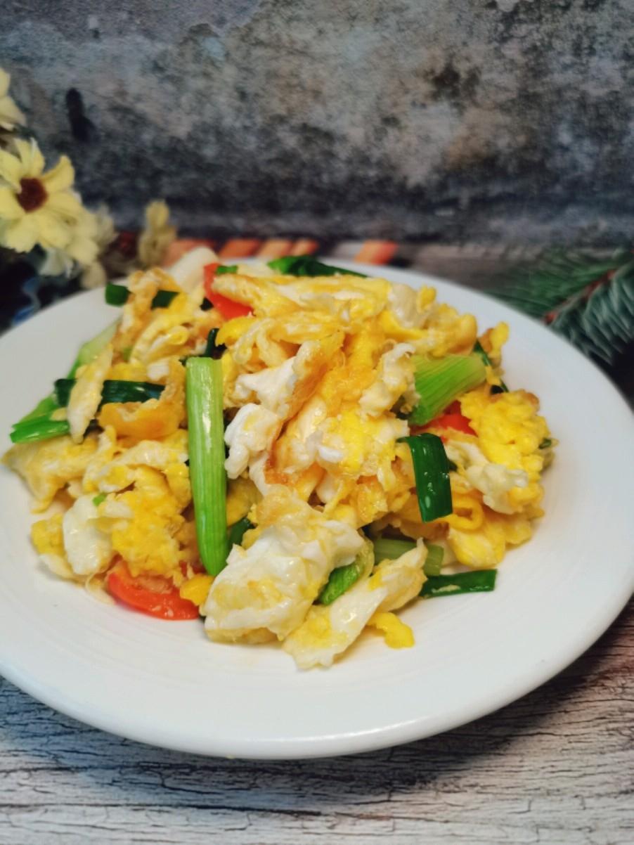 小葱炒鸡蛋,简单又快手的一道快手菜
