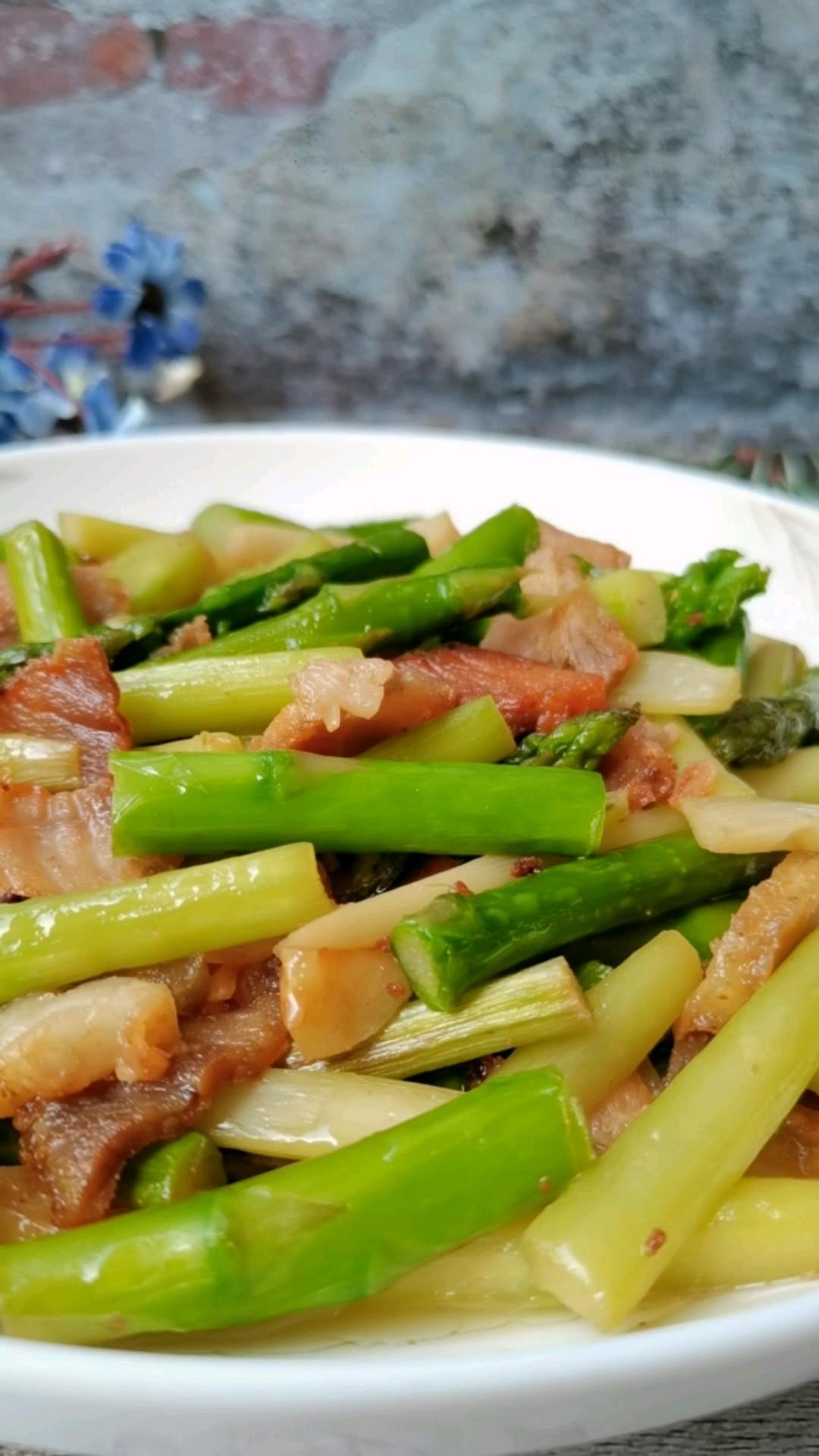 绿芦笋炒肉片