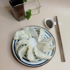 白菜香菇胡萝卜鲜肉饺子