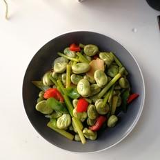 青红椒蒜苗炒蚕豆