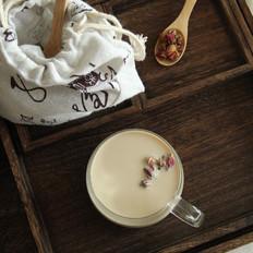 自制玫瑰花奶茶
