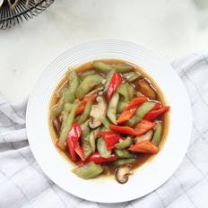 夏日清爽,蚝油丝瓜炒香菇