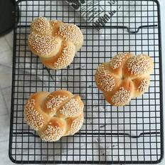 无油土耳其花型芝麻面包