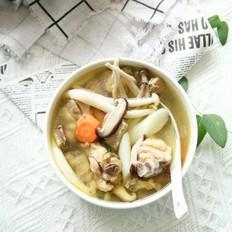 清甜菌菇山药炖鸡汤