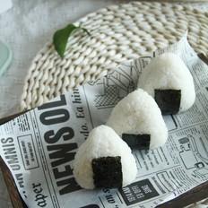 肉松海苔三角饭团