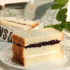 香甜黑米乳酪三明治