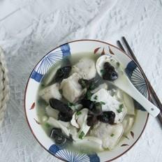 松茸木耳鱼块汤
