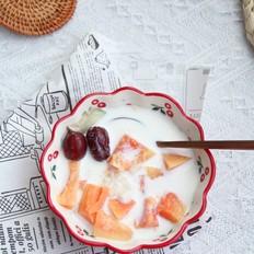 冰糖牛奶木瓜炖雪蛤