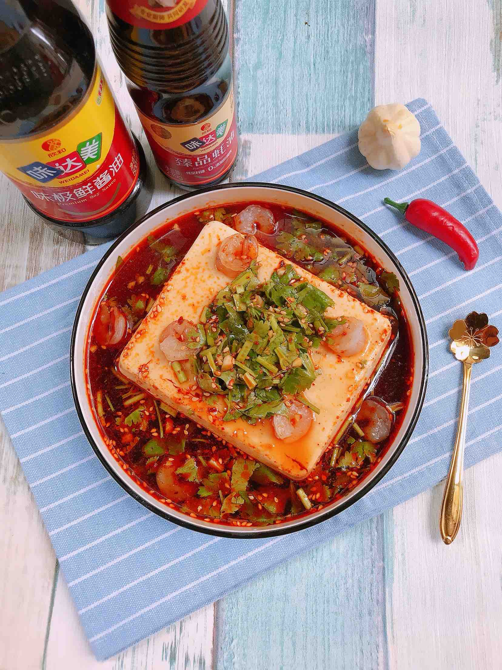 捞汁虾仁豆腐的做法