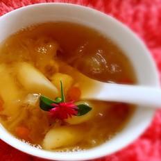 营养滋润养生汤:雪耳银耳羹的做法