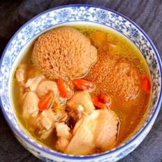 冬季进补来一碗猴头菇煲鸡汤!