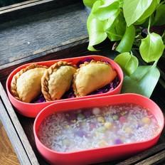 营养便当:韭菜盒子配五色酒酿