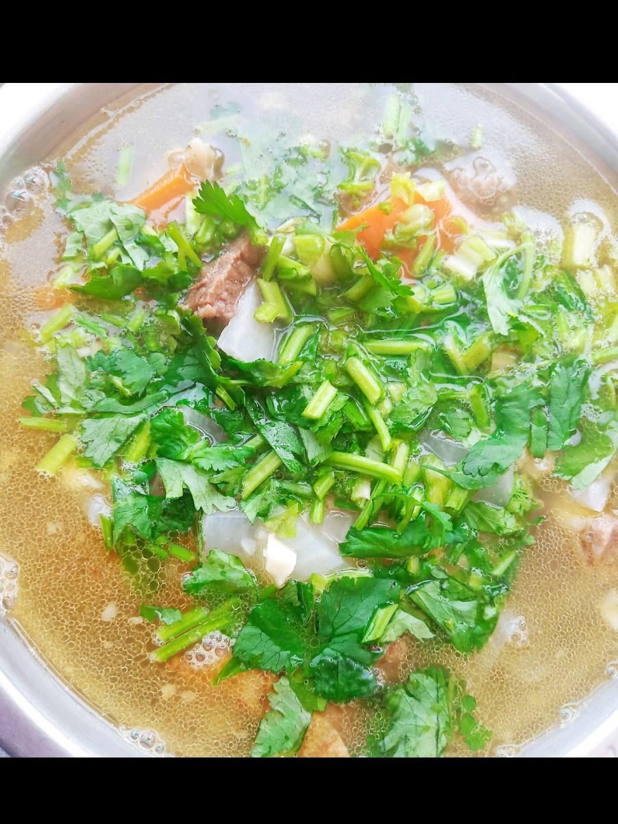 鲜香牛肉汤