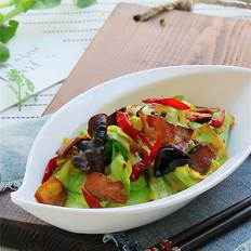 腊肉蒜香卷心菜