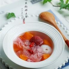 杨梅黄桃银耳糖水