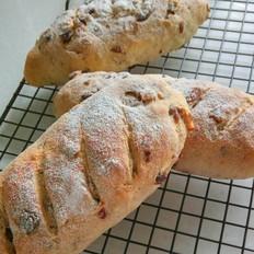 全麦核桃蔓越莓面包
