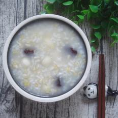 红枣莲子燕麦粥
