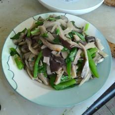 辣椒香菜炒平菇