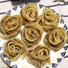 玫瑰花型水煎饺