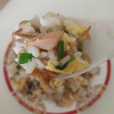 鸡腿肉蛋炒饭