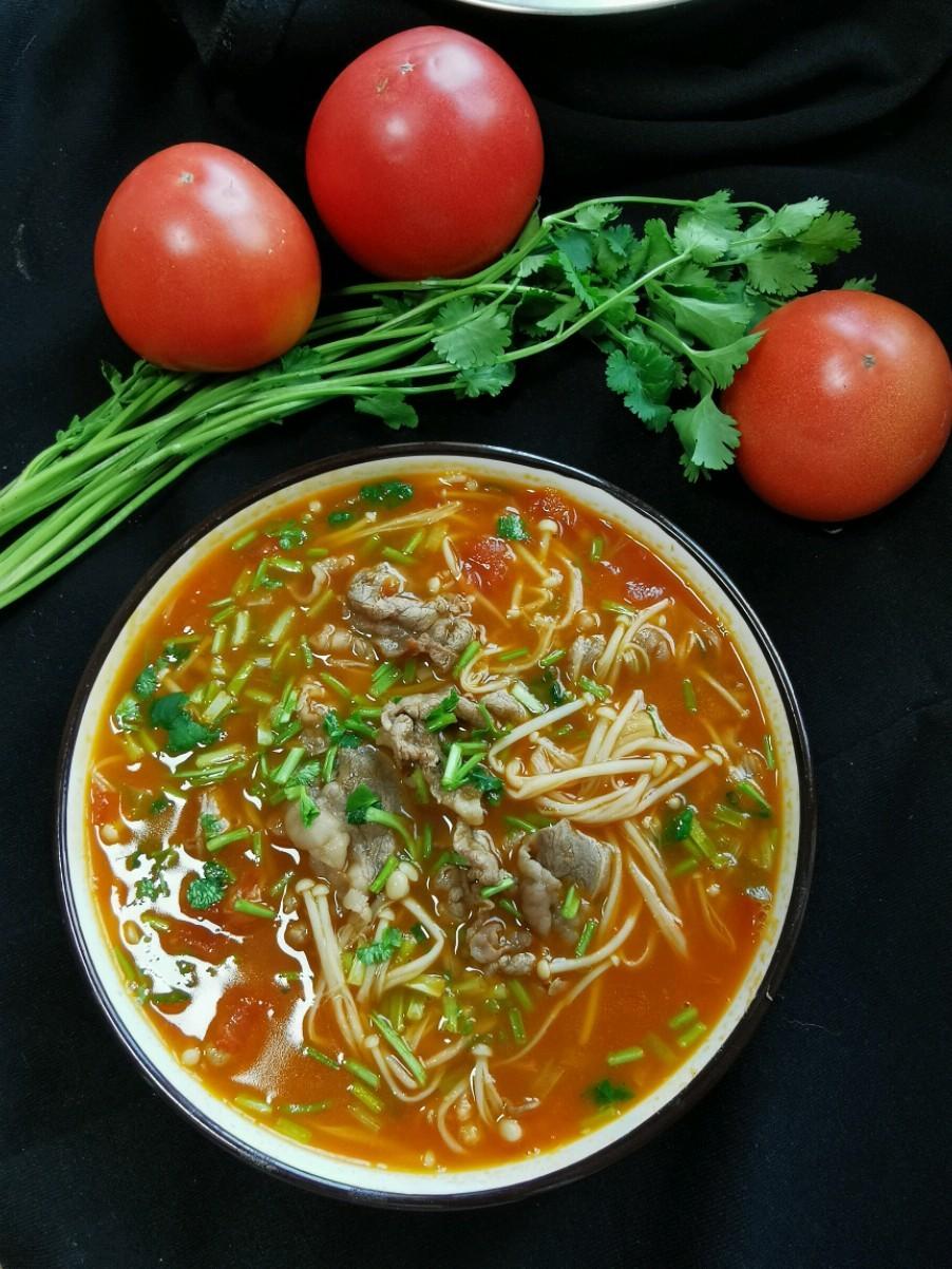 金针菇番茄肥牛汤的做法