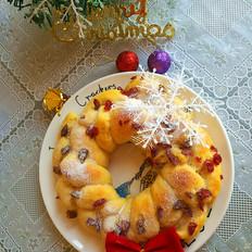 三股辫圣诞花环面包