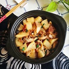萝卜牛腩蘑菇煲