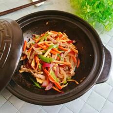 胡萝卜鸡腿菇炒牛肉丝