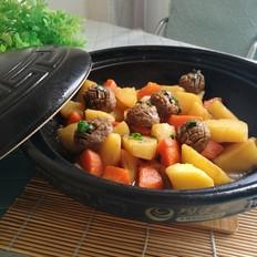 牛肉丸胡萝卜土豆煲