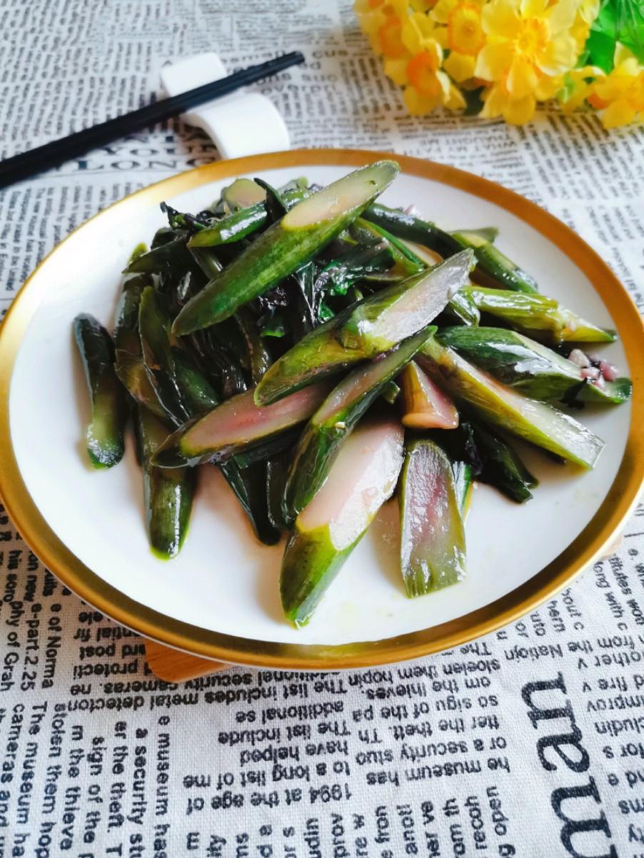 蒜蓉炒红菜苔