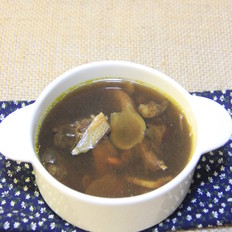 参芪乳鸽汤