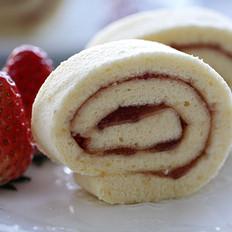 戚风草莓果酱蛋糕卷