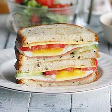奶香面包三明治