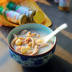 莲子胡椒猪肚汤