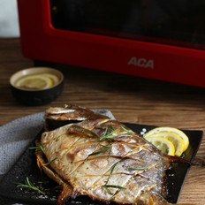 烤金鲳鱼的做法
