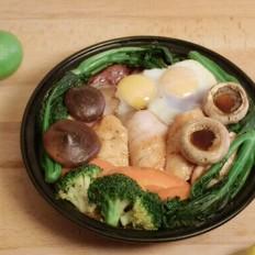 塔吉锅腊味饭