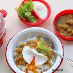 水波蛋牛肉咖喱饭的做法
