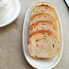 牛奶花生面包